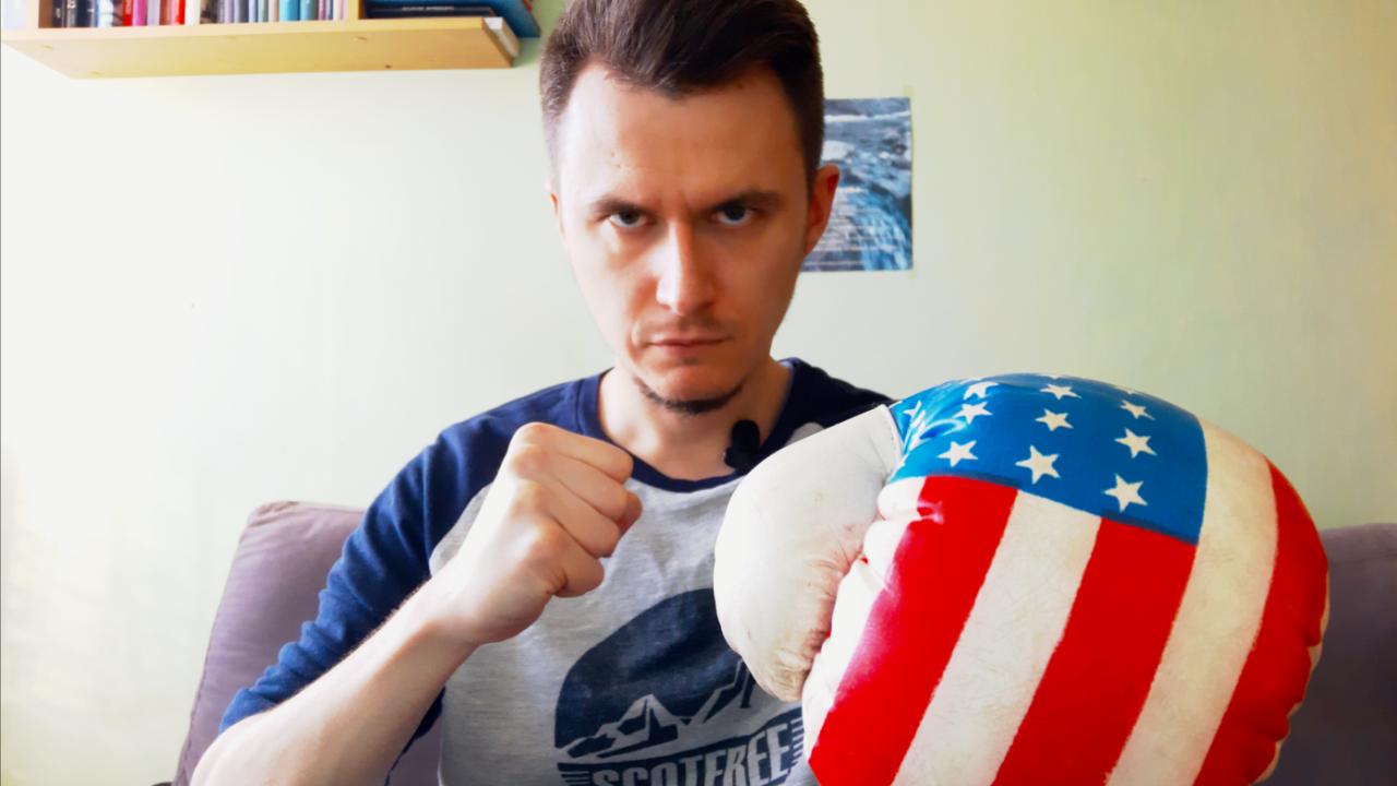 zdjęcie autora strony w rękawicy bokserskiej
